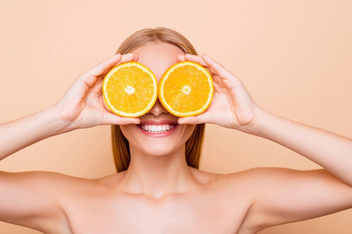 Vitamin C được ứng dụng nhiều trong các sản phẩm chăm sóc da.